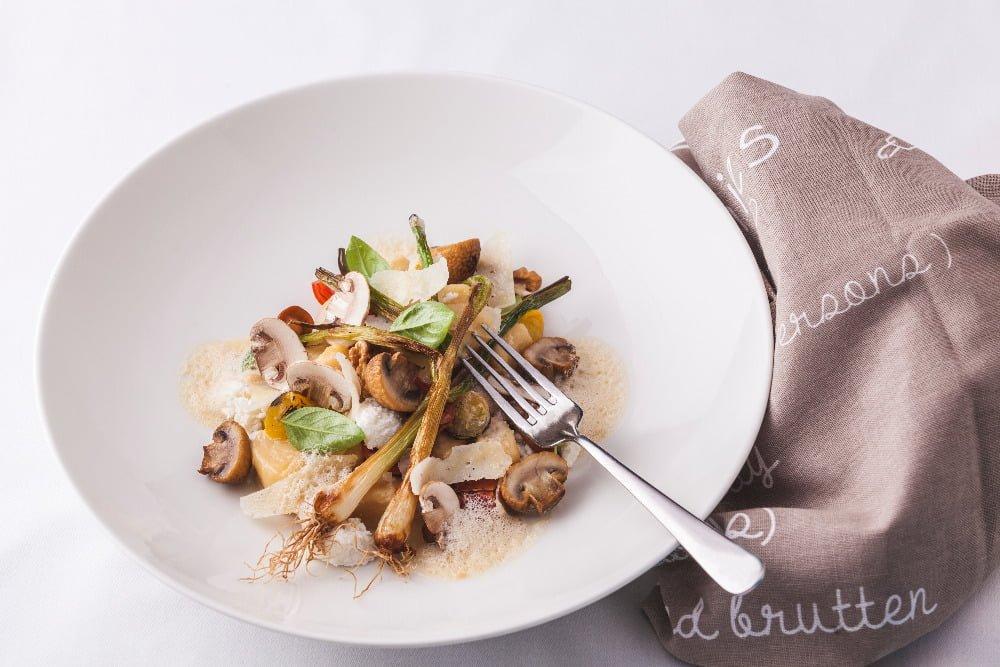 Gnocchi z ricotty a sýru Asiago s houbovou omáčkou